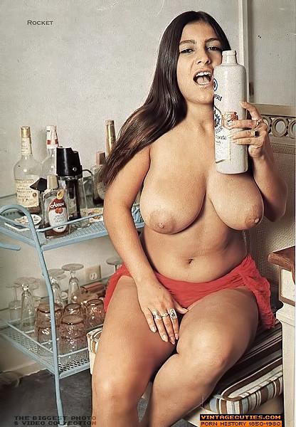 Sexy girl spank sexy girl naked