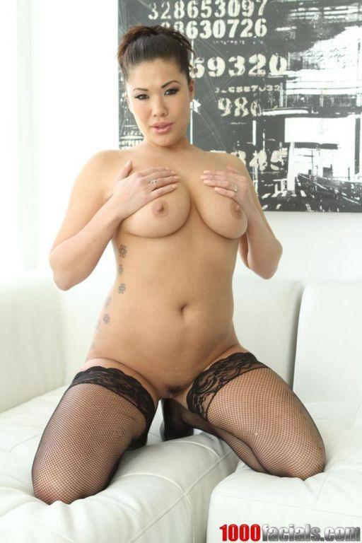Asian pornstar London Keyes sucks big cock in POV
