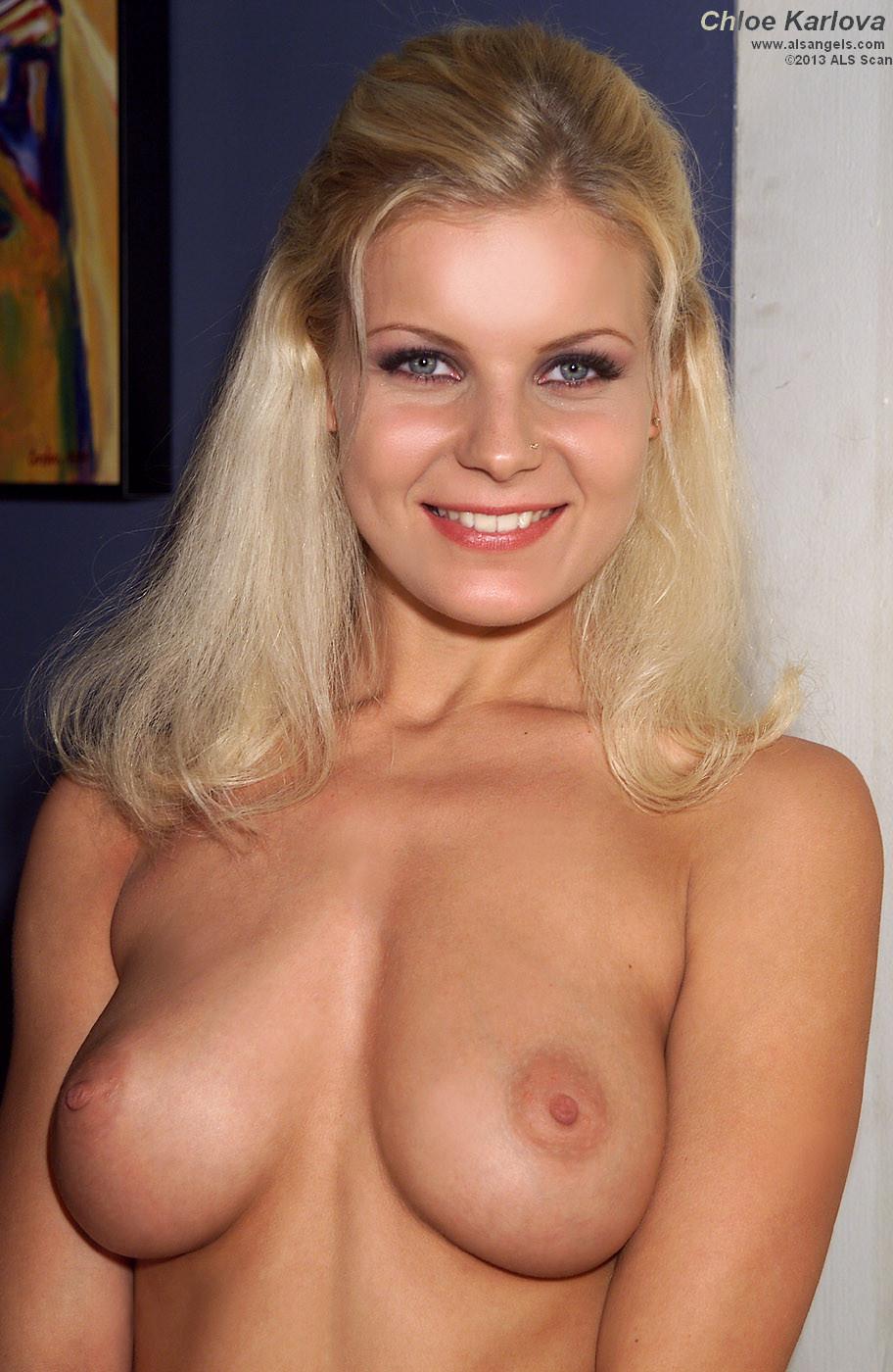 Chloe Karlova порно модель