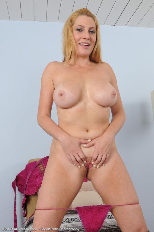 Jennifer Best pretty hot for a 40 YO