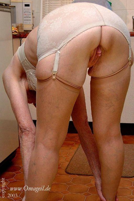 Jungle booty white girls having sex
