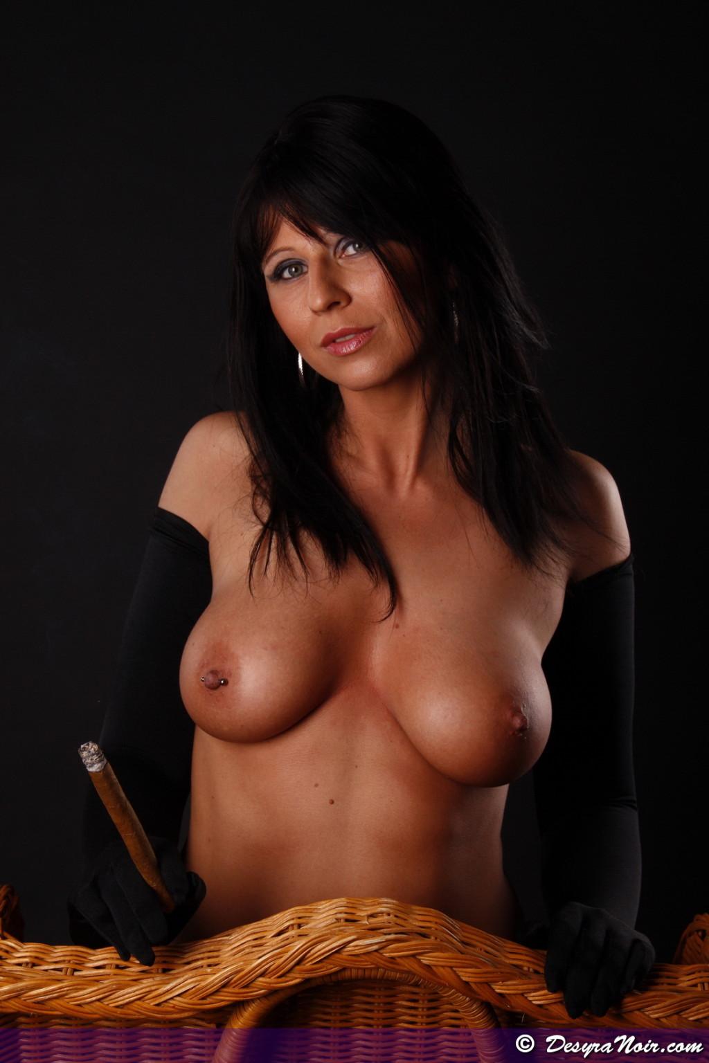 Bigtit Nude