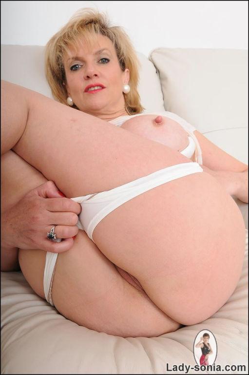 Mature hotwife wetllook leggings babe lady sonia s