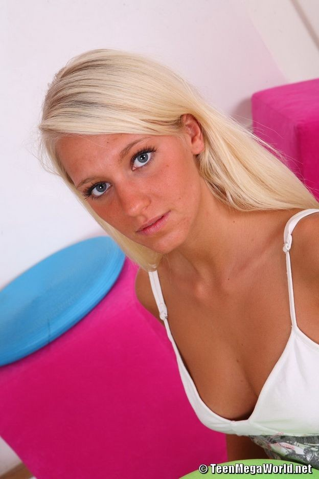 Tan Blonde Teen Creampie