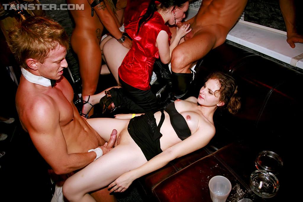 вот последнюю порно в женском клубе в хорошем качестве все помню