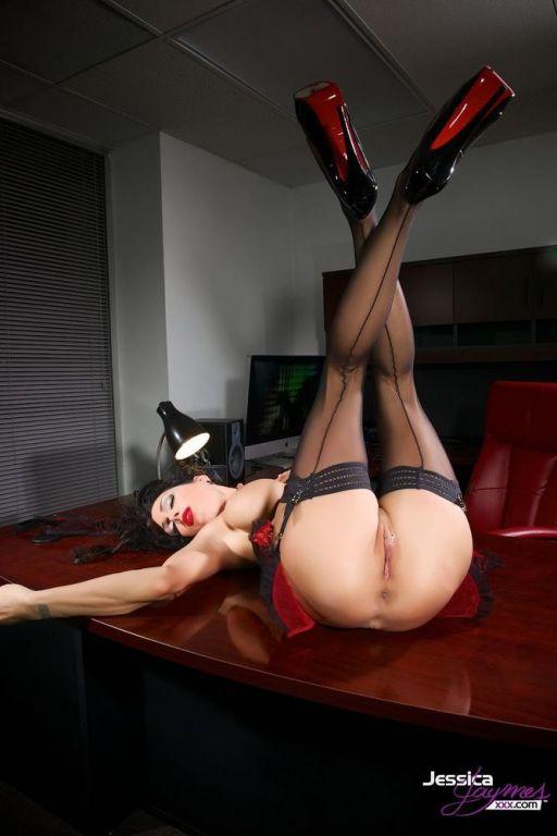 Jessica Jaymes naughty nurse down on her knees exa