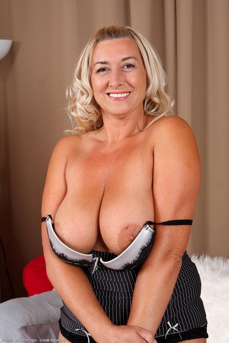 Natasha yi breast