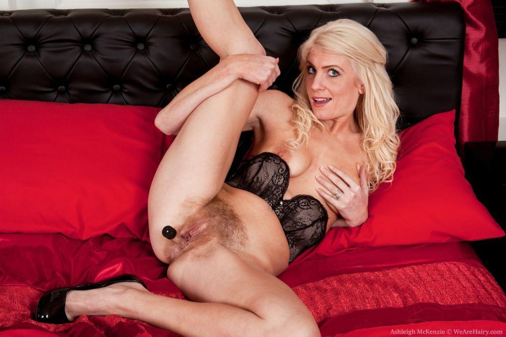 Hairy babe Ashleigh McKenzie is very seductive