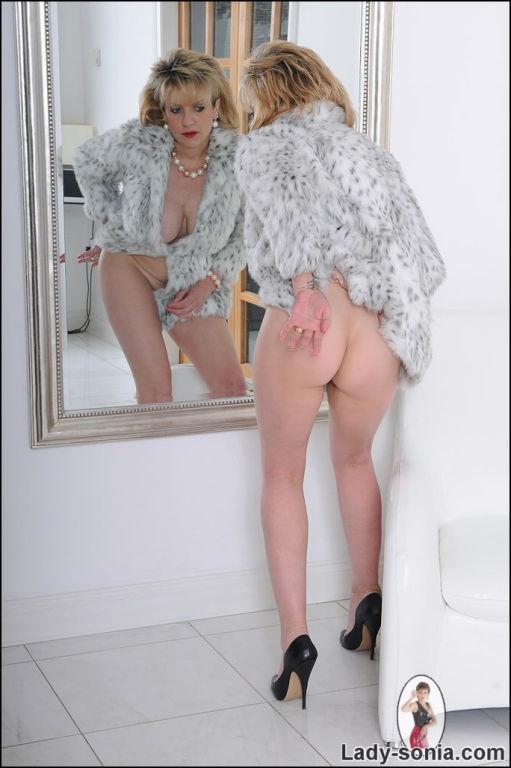 Free fur coat porn