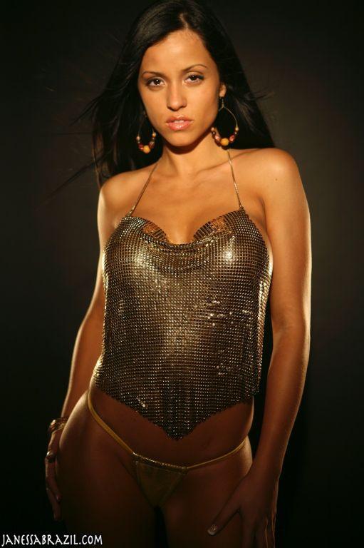Big boob beauty topless