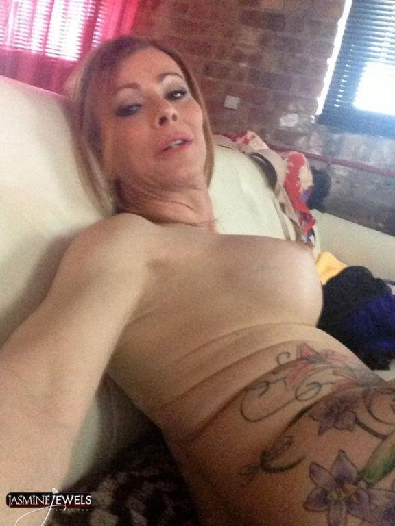 Jasmine Jewels Big Bulge in her Panties