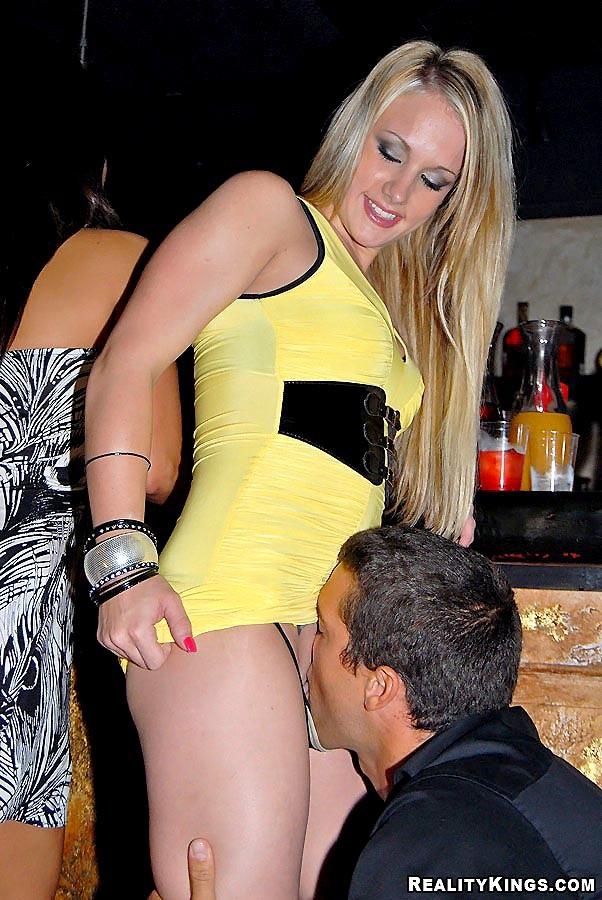 Italian girl fuckt men with strap on