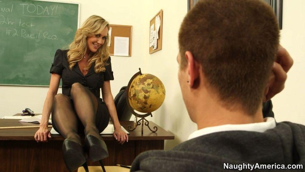 Busty teacher Brandi Love banged in class