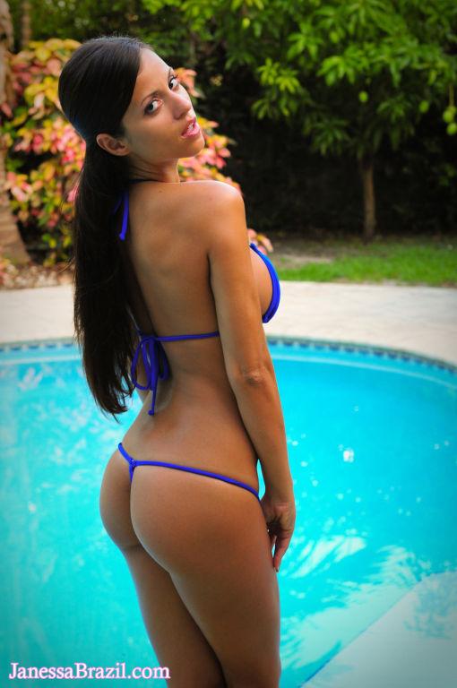 Busty bikini babe toying outdoors