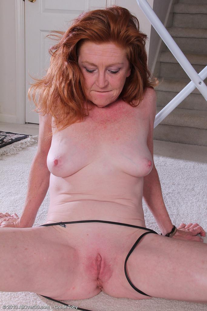 Nude 30 yr old redhead milf