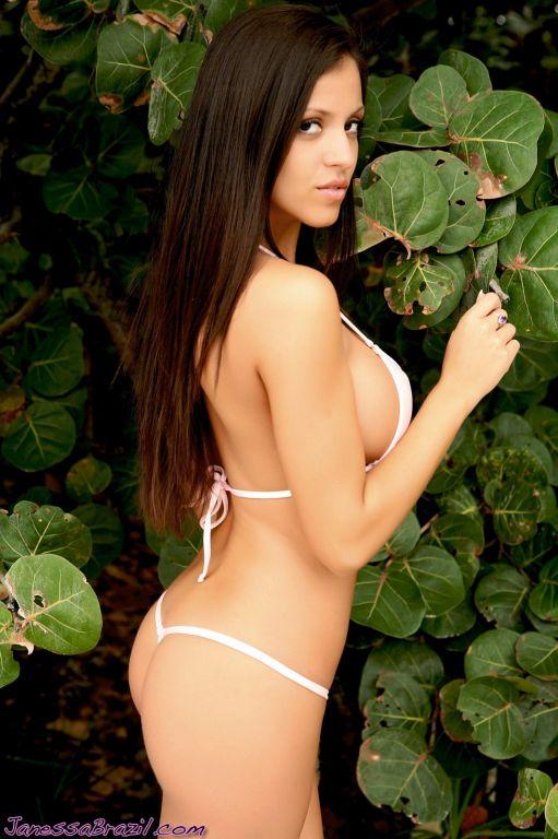 Busty bikini babe at beach