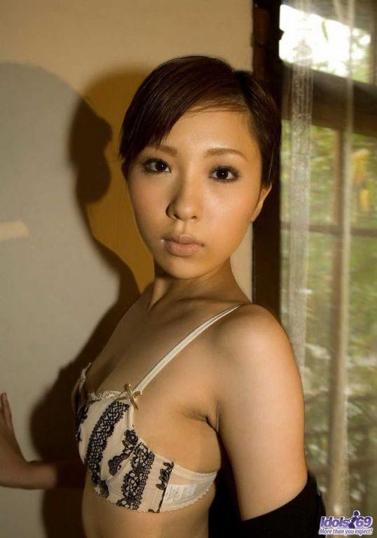 Asian lingerie model Rin Sakuragi poses showin ass