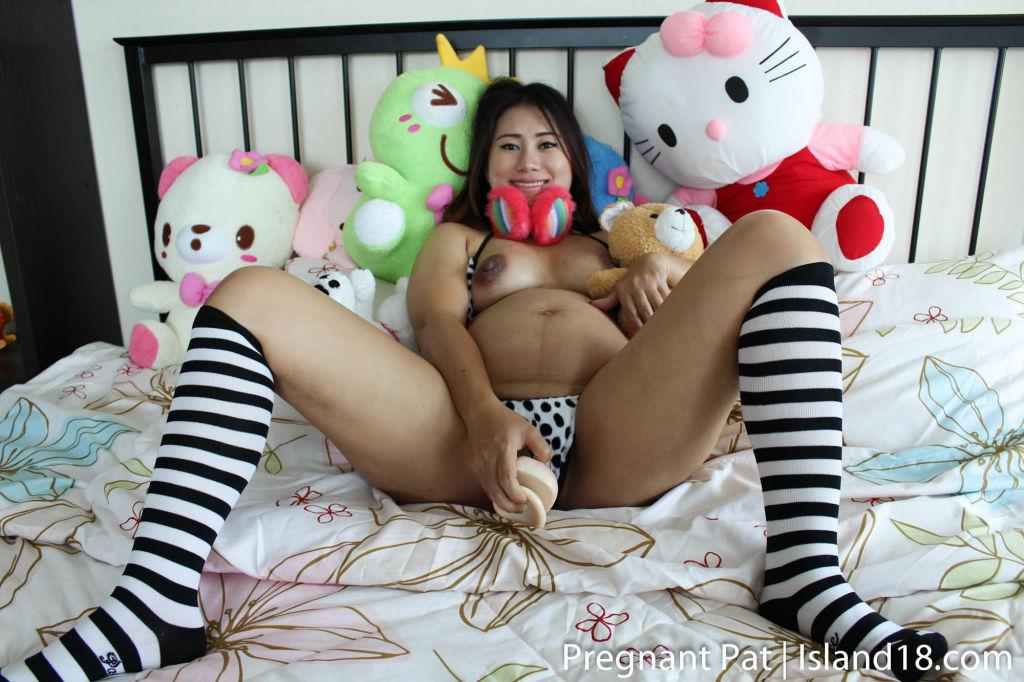 Hot Pregnant Thai honey masturbating her pink puss