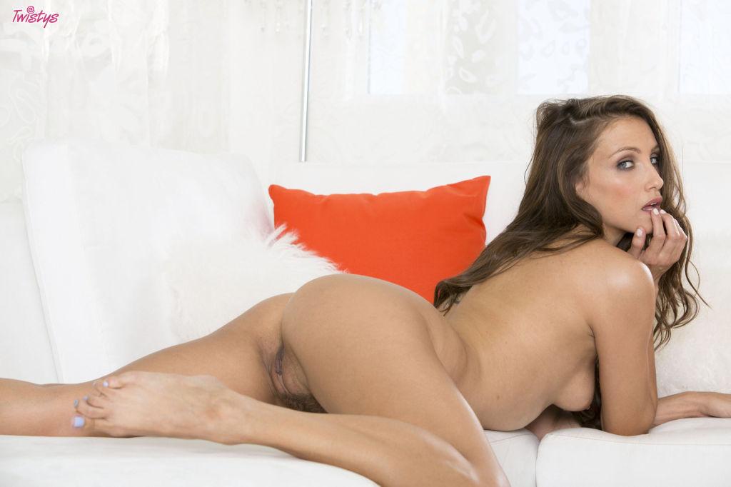 Celeste Star sticks a dildo into her tight pink
