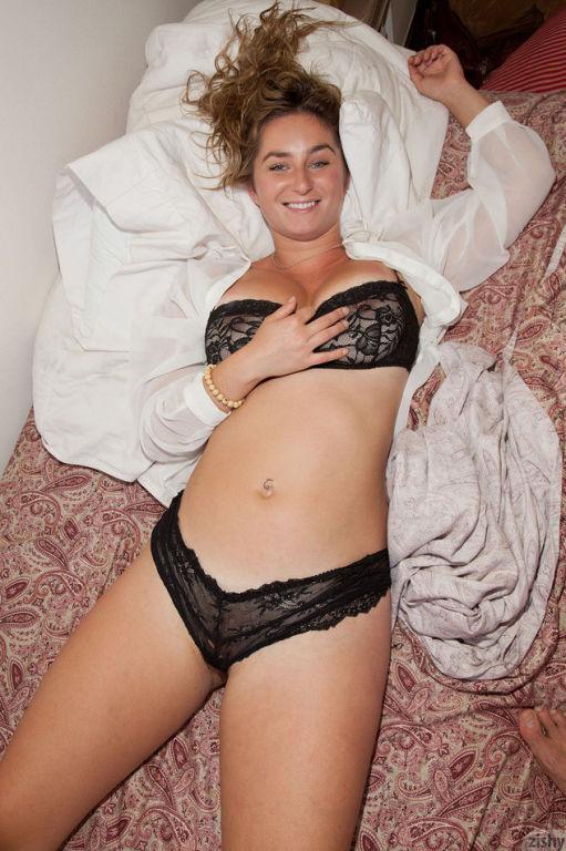 nude Cassie becker