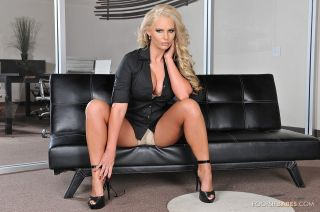 Big titty blonde babe Phoenix Marie in her office