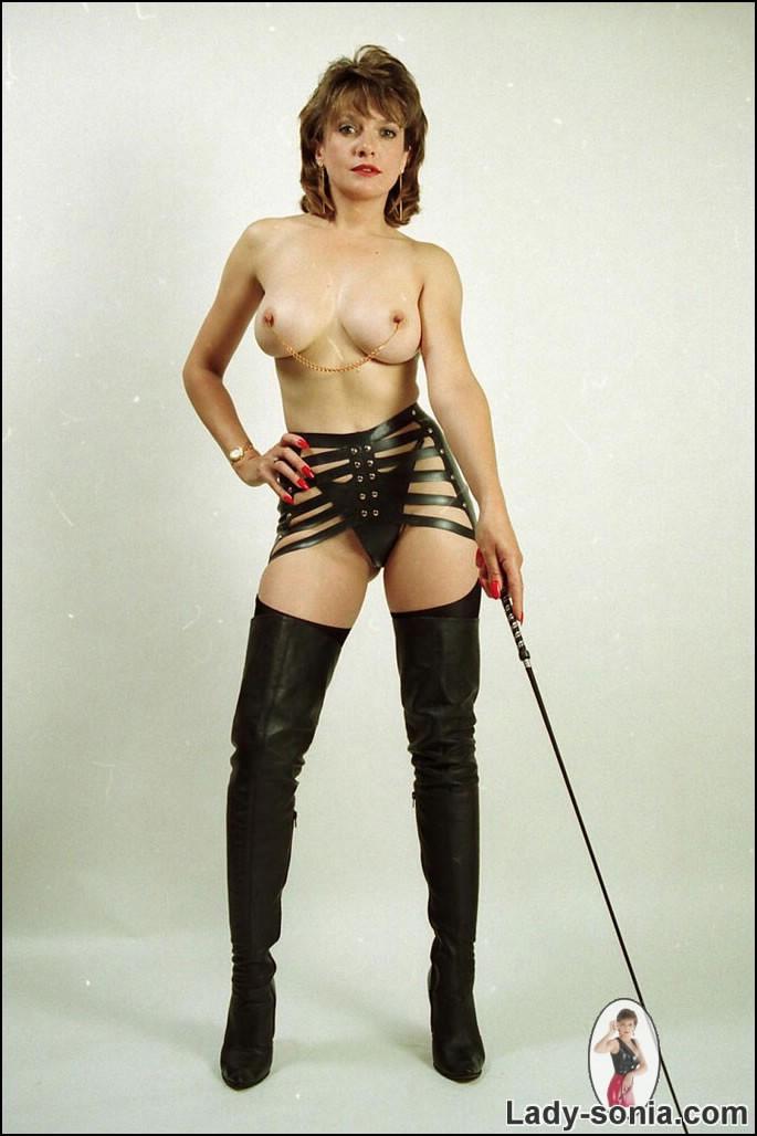 Milf dominatrix porn
