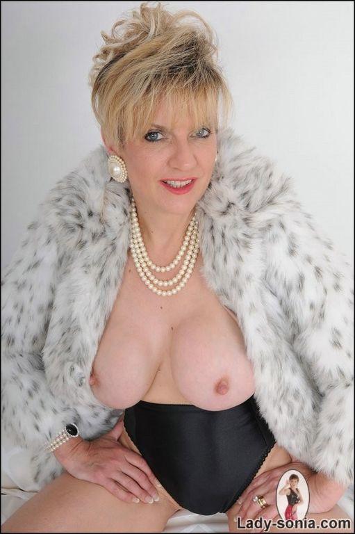 Fur coat very classy busty mature Lady Sonia