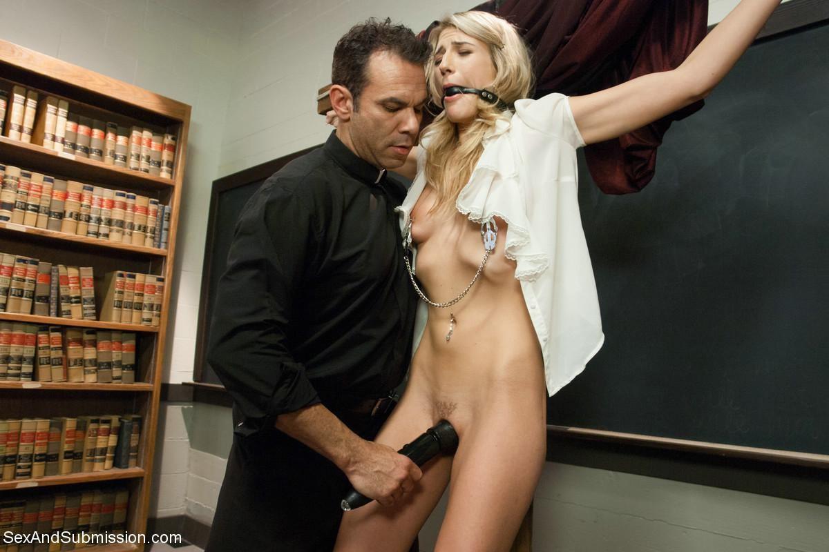 sexy-maedchen-gefesselte-lehrer-werden-gefickt-sexszene