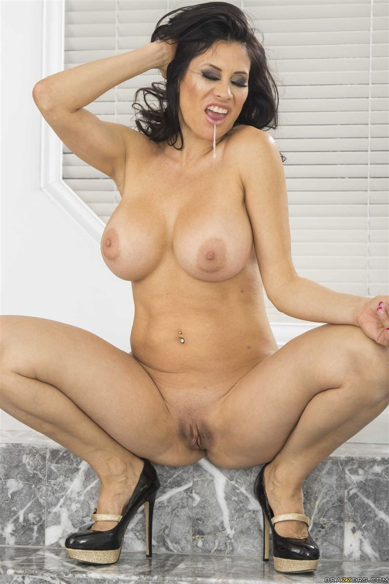 Sheila Marie порно модель