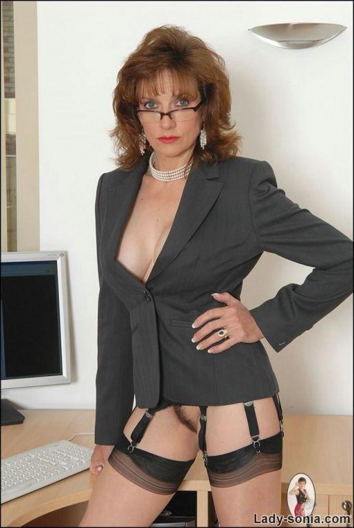 Office boss brunette Lady Sonia masturbating in ny