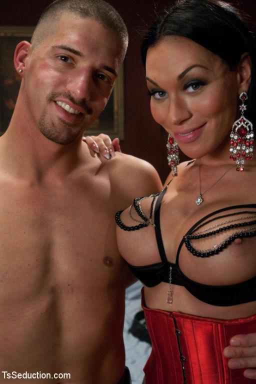 TS Mia Isabella's Desires:Boys, Girls, Bondage, To
