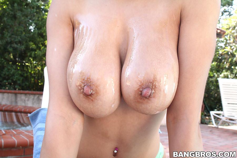 Jade aspen jade aspen and her natural tits