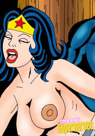 Superwoman sucking dick