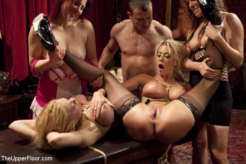 Порно видео бдсм групповуха вечеринки