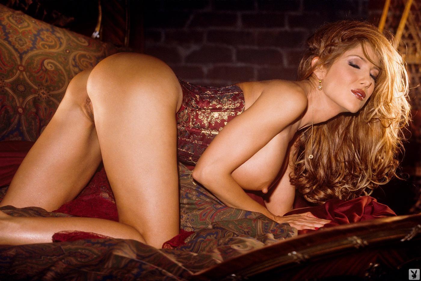 Lankan actress outdoor nude