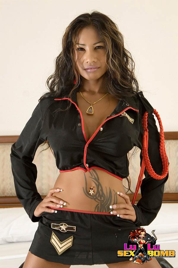 Lulu Sex Bomb Leather - Lulu Sex Bomb exposing that perfect Thai Ass - Pichunter