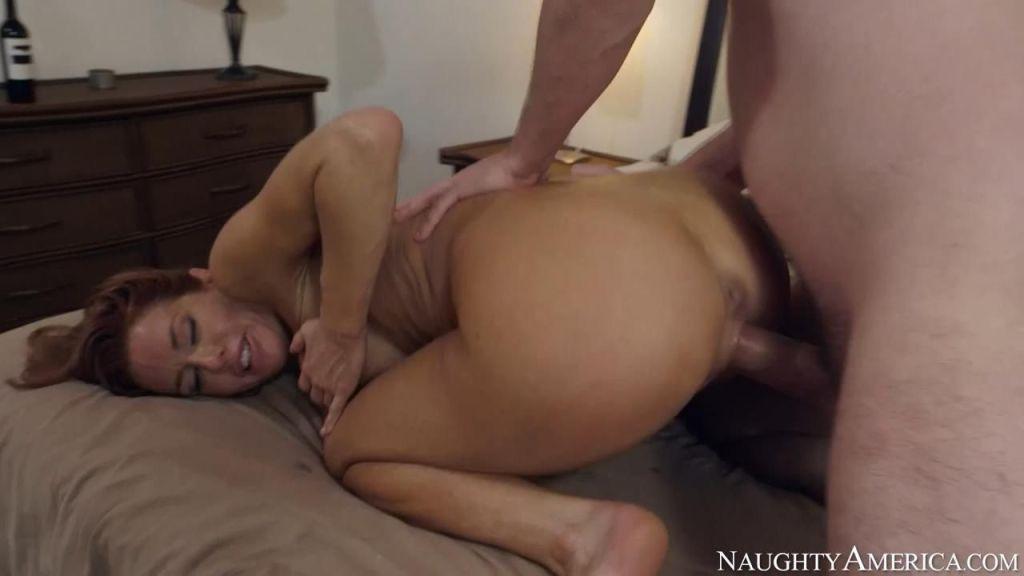 Cougar Veronica Avluv seducing her neighbor