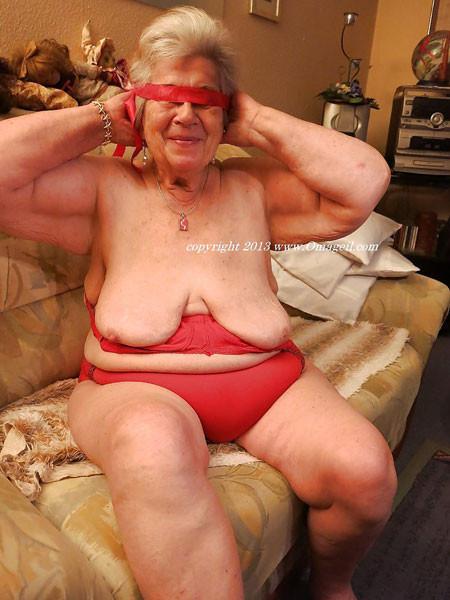 Nude older wrinkled grannies