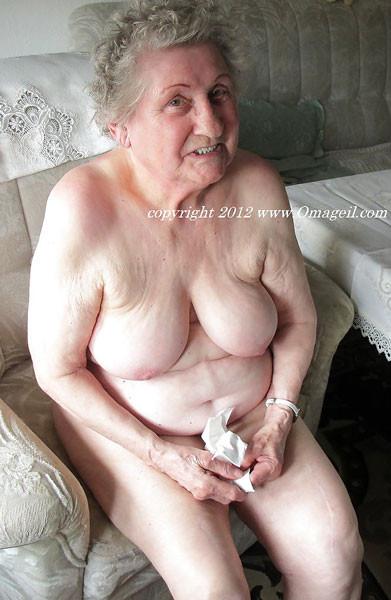 Oma Nackt Geil