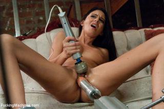 Nikki Daniels gets banged by fucking machines