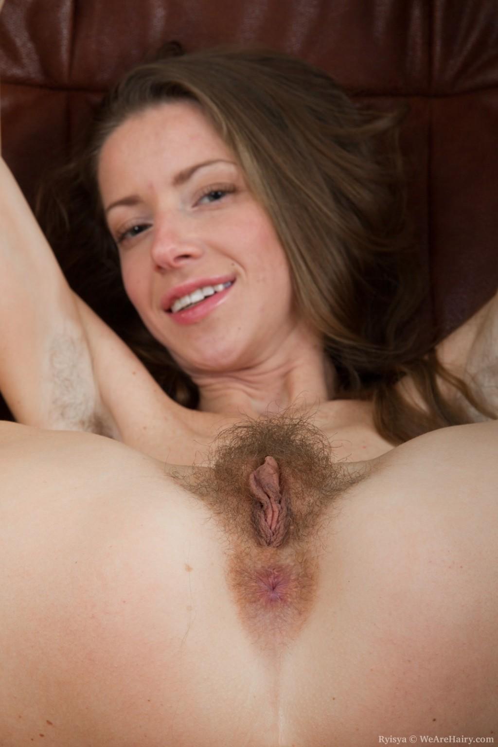 Nude milfs in kitchen pics