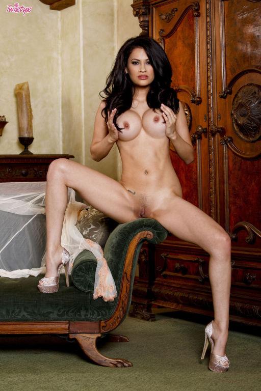 Vanessa Veracruz gives you a glimpse of her amazin