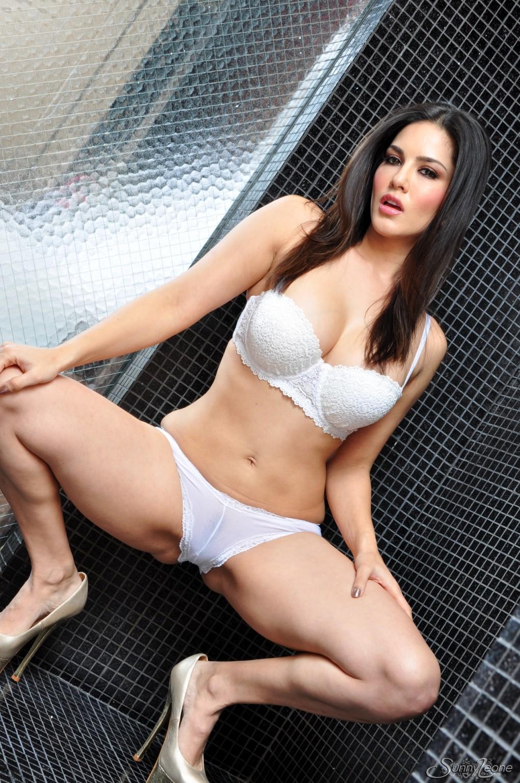 Sunny Leone Solo Orgasm