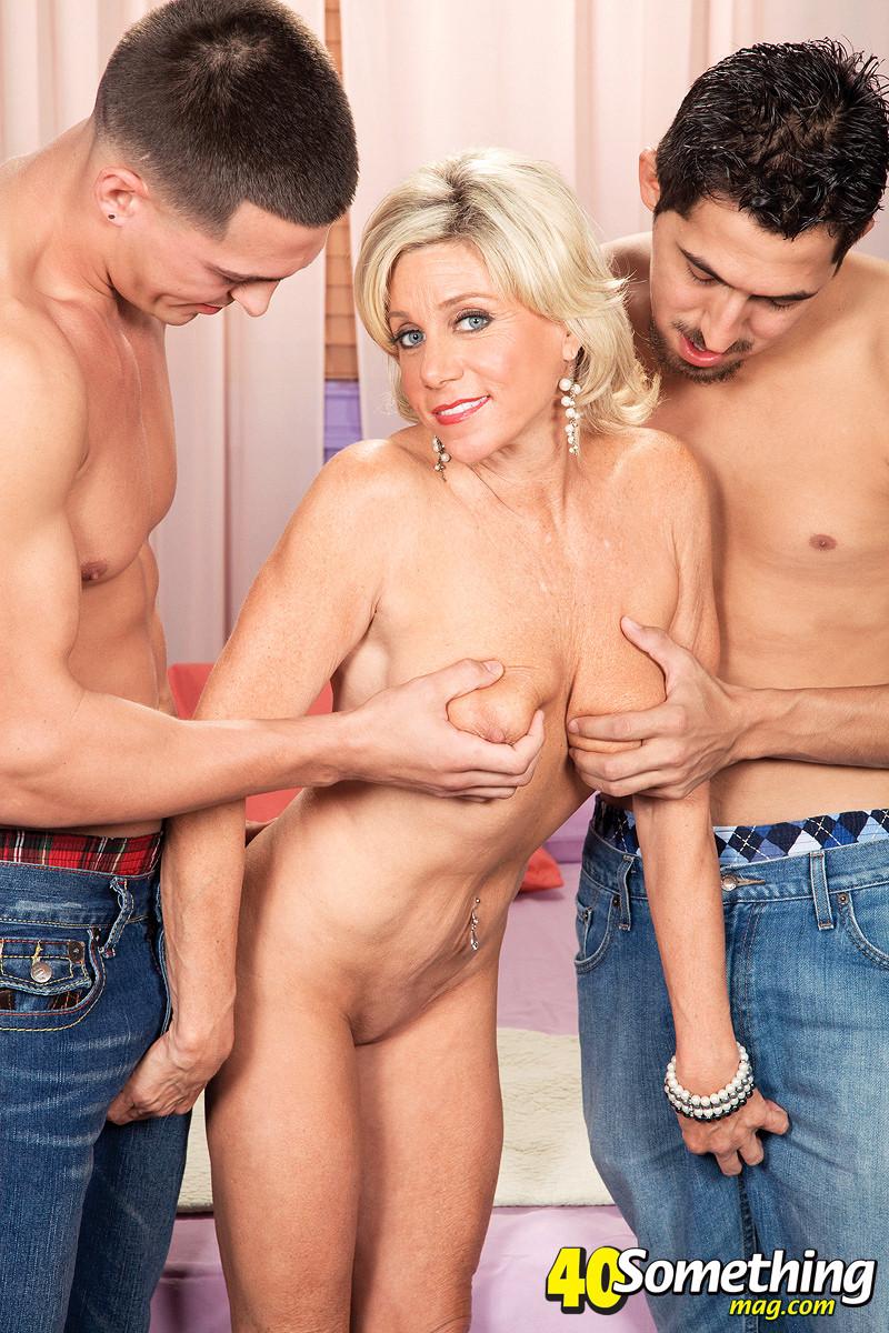 Teen Threesome Two Dicks