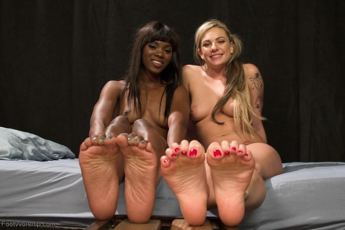 Porn lesbian foot Feet: 1,157