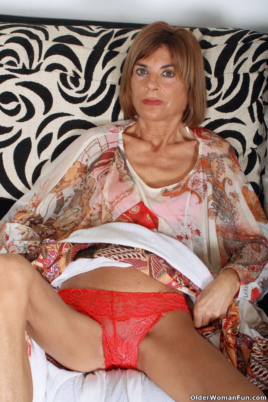 skinny granny topless Naked skinny granny pussy picture - grannypornpic.com