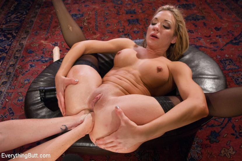 Lesbian Anal Fisting Orgy