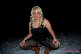 Raquel Kelly Dogging In The Winter