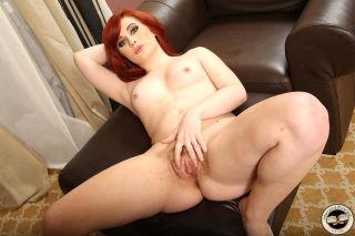 Hot redhead Sadie Kennedy gets creampied