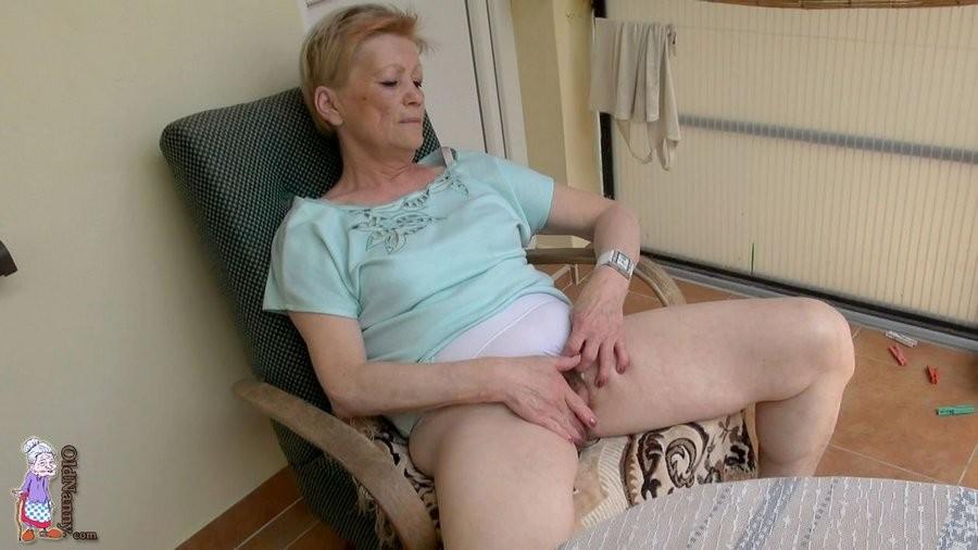 Mature Boy Licking Pussy